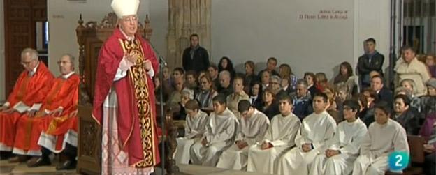 El obispo de Alcalá de Henares, Juan Antonio Reig, durante la misa del viernes santo.