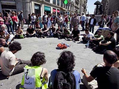 Foto de archivo de una asamblea celebrada por el movimiento 15-M en la madrileña Puerta del Sol. G. PECOT