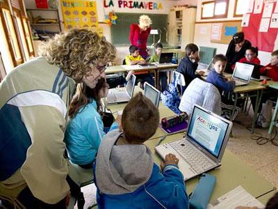 Alumnos en un colegio de Teruel. EFE/Antonio García