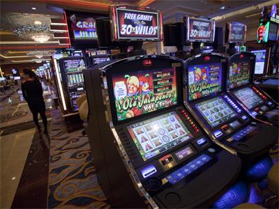 Vista general del interior de una de las salas del nuevo casino Sands Cotai Central, en Macao, también Adelson. EFE