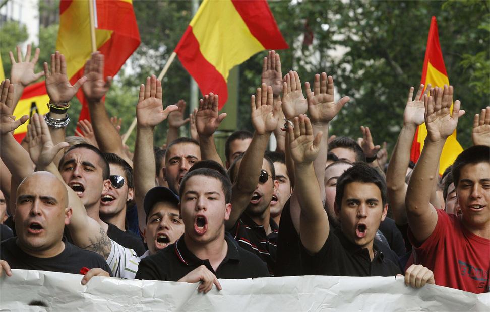 Nazi-fascistas de España. 1337976043489fachas-3gd