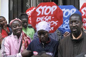 Desahucio de una familia de inmigrantes en Granada. (Foto de archivo) EFE