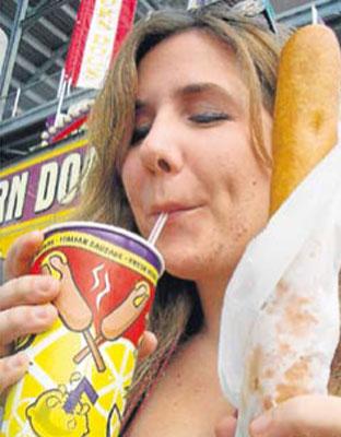 Nueva York plantea prohibir la venta de refrescos de gran tamaño