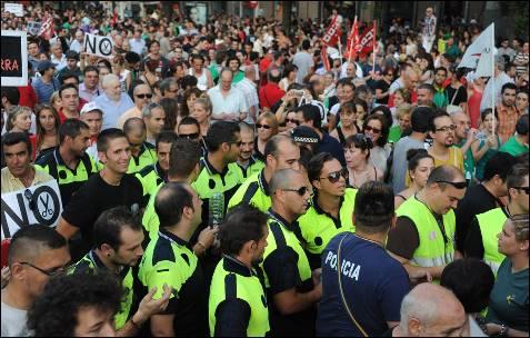 Policías, en la manifestación en Madrid.-  DOMINIQUE FAGET (AFP)