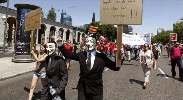 Cientos de personas han llegado a Madrid desde toda España para visibilizar el drama del desempleo - EFE