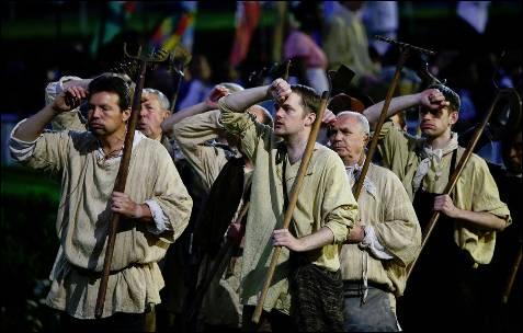 Actores durante la ceremonia de inauguración.