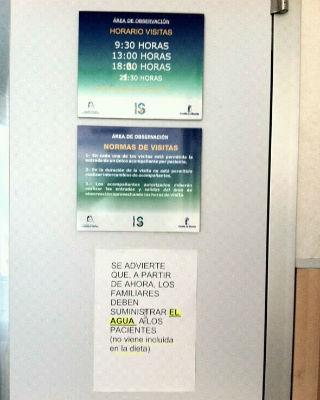 Cartel que apareció en los pasillos del Hospital La Mancha-Centro y que el SESCAM atribuye a un 'malentendido'.