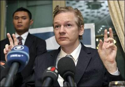Julian Assange está actualmente refugiado en la embajada de Ecuador en Londres.