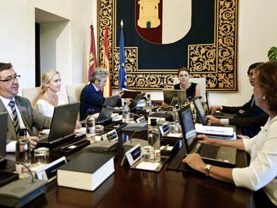 Vista de la reunión del Consejo de Gobierno de Castilla-La Mancha bajo la presidencia de María Dolores de Cospedal, el pasado 17 de agosto. EFE