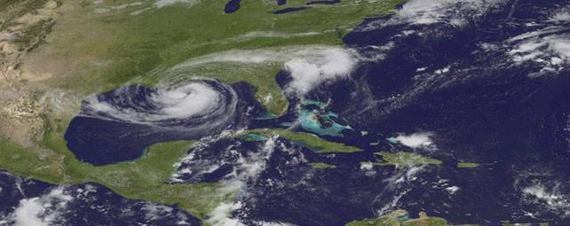 Imagen satelital facilitada por la Administración Nacional de Océanos y Atmósfera (NOAA) que muestra el paso de la tormenta tropical Isaac por el Golfo de México - EFE