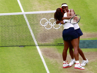 Las Williams celebran la victoria. REUTERS/Adrees Latif