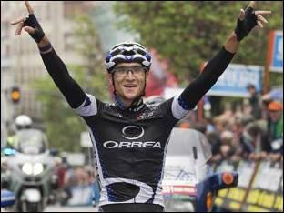 Muere atropellado el ciclista del Euskaltel Euskadi Víctor Cabedo
