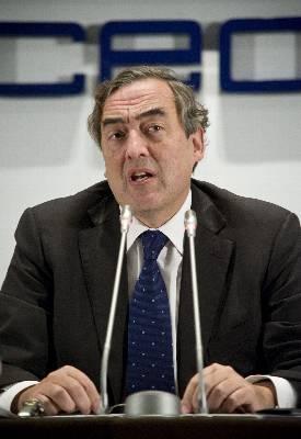 CEOE prevé que en 2013 se roce los 6 millones de parados
