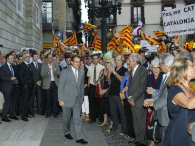 Mas, esta tarde, a su llegada a la plaza Sant Jaume de Barcelona. EFE