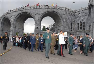 Militares y guardias civiles en la peregrinación a Lourdes de 2011/Foto Ejército del Aire