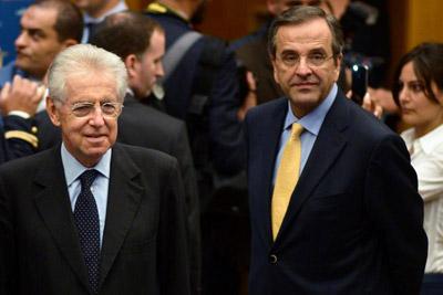 El primer ministro griego Antonis Samaras (derecha) junto a su homólogo italiano, Mario Monti. -
