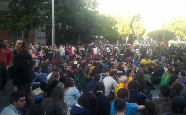 Los primeros manifestantes se han empezado a concentrar ya en Neptuno. E.H.
