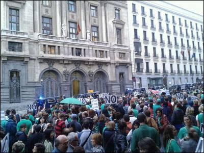 La manifestación de la comunidad educativa contra los recortes, el pasado miércoles, en Madrid.