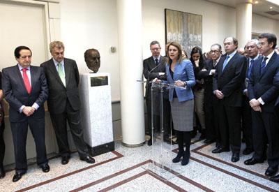 Dolores de Cospedal, Pio Garcia Escudero, Alberto Núñez Feijóo, Jesús Posada y otros dirigentes del PP, en el acto en el Senado.