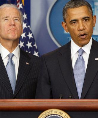 El presidente de EEUU, Barack Obama, y el vicepresidente Joe Biden, tras el pacto que evita el abismo fiscal. Reuters