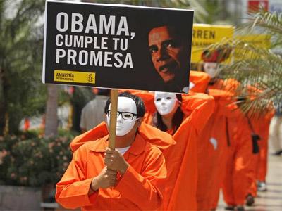 Activistas de Amnistía Internacional, en una manifestación para exigir el cierre de Guantánamo. EFE