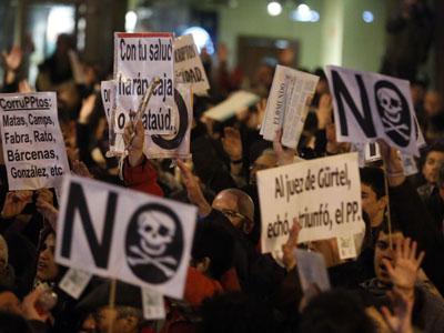 Concentración contra la corrupción en el PP frente a la sede nacional del partido en Madrid, el pasado 18 de enero.