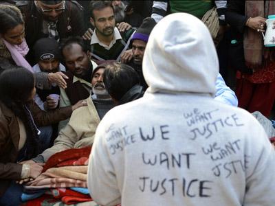 Protestas En Nueva Delhi Tras La Brutal Violacion De Una Joven India