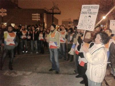 Protesta de trabajadores de Telemadrid durante la reunión que ha cerrado el ERE en la televisión con 861 despidos. -