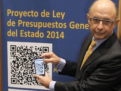 El ministro de Hacienda, Cristóbal Montoro, durante la presentación de los Presupuestos Generales del Estado 2014, este lunes 30 de octubre.EFE/J. J. Guillén