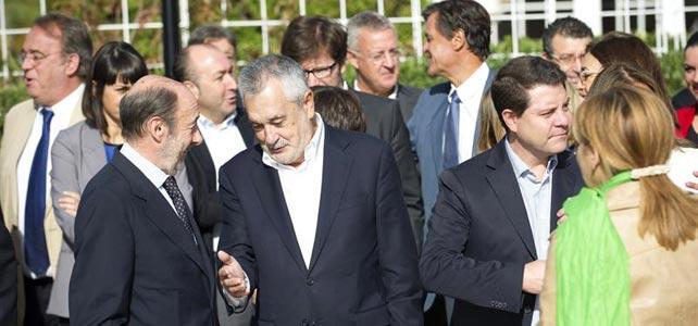 Rubalcaba, Griñán y García Page, ayer, antes de la reunión de la Ejecutiva del PSOE.