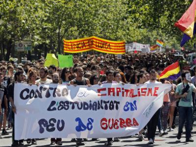 Manifestación en Valencia, el pasado 9 de mayo, durante la última huelga educativa contra la ley Wert. EFE