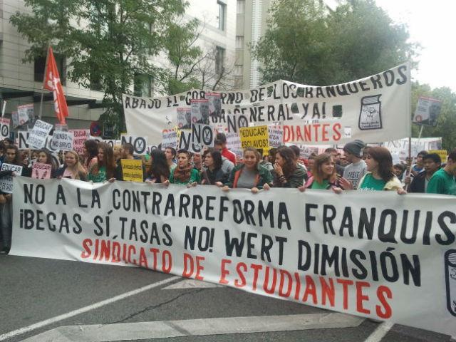 Cabecera de la manifestación en Madrid contra las reformas de Wert. A.F.