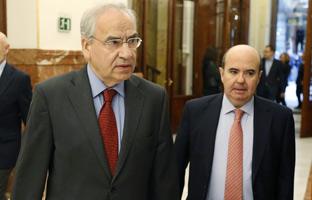 La vieja guardia del PSOE<br> exige romper con el PSC