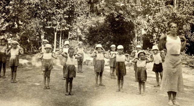 'Niños de la guerra' practicando gimnasia en una de las 'casa de niños españoles'en la URSS.- Cedido por Centro de España en Moscú