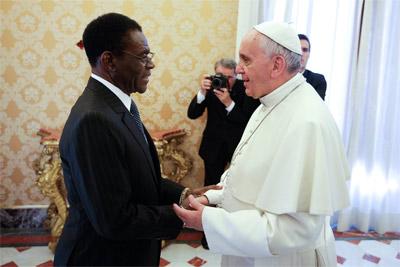 Teodoro Obiang, en un encuentro con el Papa Francisco en el Vaticano el pasado 25 de octubre.