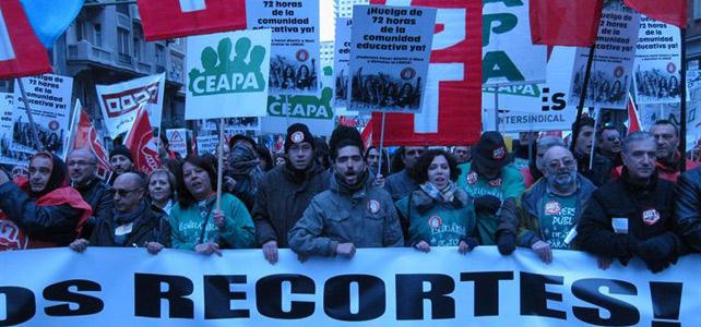Cabecera de la manifestación por la Educación Pública que ha tenido lugar este sábado en Madrid.-
