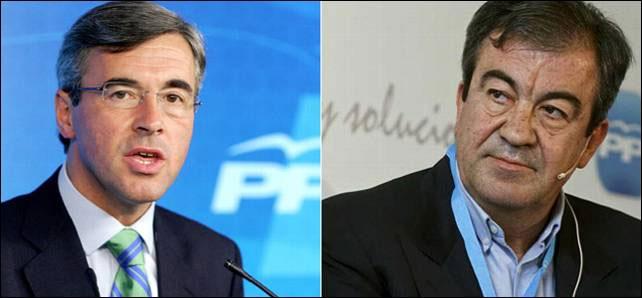 Los exministros de Aznar, Acebes y Cascos.-