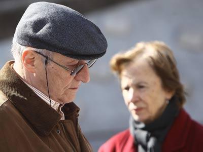 Los mayores son, cada vez más, el sostén económico de muchas familias españolas.