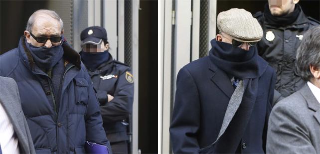 Los exmandos policiales del franquismo,  el guardia Muñecas (i.) y el inspector 'Billy el Niño' (d.), a su salida de la Audiencia Nacional.