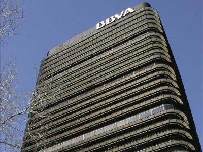 El BBVA ayudará a contratar a 10.000 desempleados. EFE
