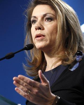 La presidenta de Castilla-La Mancha y número dos del PP, María Dolores de Cospedal, ayer, durante una rueda de prensa.
