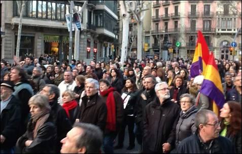 En Barcelona, banderas republicanas por la Gran Vía de les Corts Catalanes. -MD