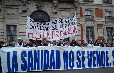 Una de las cabeceras de la 'marea' en Madrid recuerda el Hospital La Princesa. A. B.