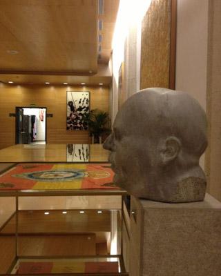 El busto de Azaña en su ubicación actual. J.A.B.