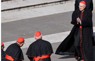 La Santa Sede quedará hoy en manos del 'padrino' Bertone