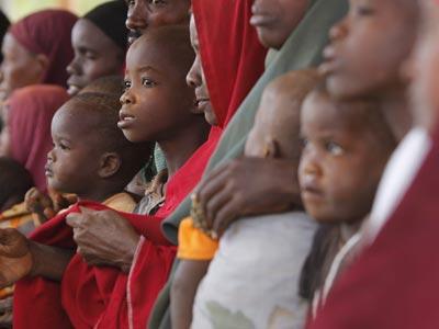 Un grupo de niños somalíes en Kenia. EFE