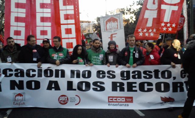 Cabecera de la manifestación en Madrid contra la reforma educativa de Wert. FOTO: ALIA BENNOUNA