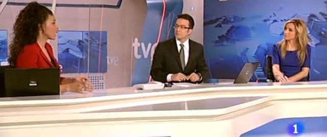 Los presentadores del Telediario de La 1.