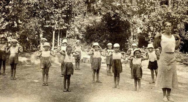 'Niños de la guerra' practicando gimnasia en una de las 'casa de niños españoles'en la URSS