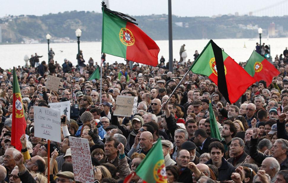 Cientos de miles de portugueses han tomado las ciudades contra las políticas de austeridad del gobierno luso.
